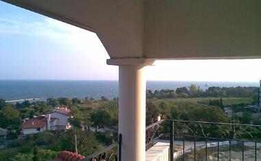 Трехкомнатная квартира в  Св. Константин и Елена - в Болгарии