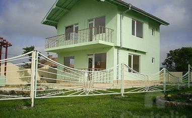 Двухэтажный дом в с. Каменар - в Болгарии