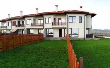 Таунхаус с 3 спальнями - в Болгарии