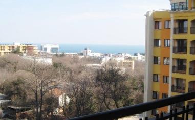 Трехкомнатная квартира-Золотые пески - в Болгарии