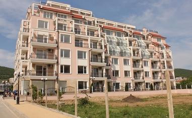 Апартамент с 1 спальней в новостройке недорого - в Болгарии